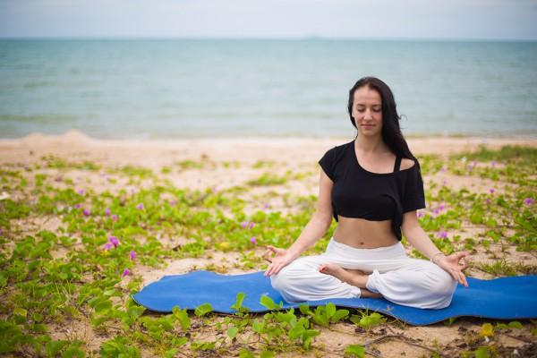 Медитация лотос на море