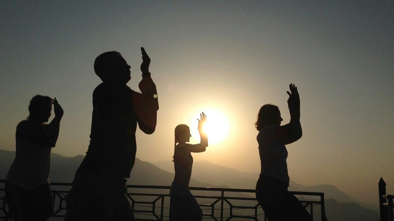 Йога терапия в Непале, Алматы и России